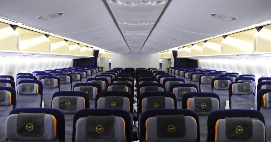 Classe Econômica no Boeing 747-800 - São Paulo - Frankfurt